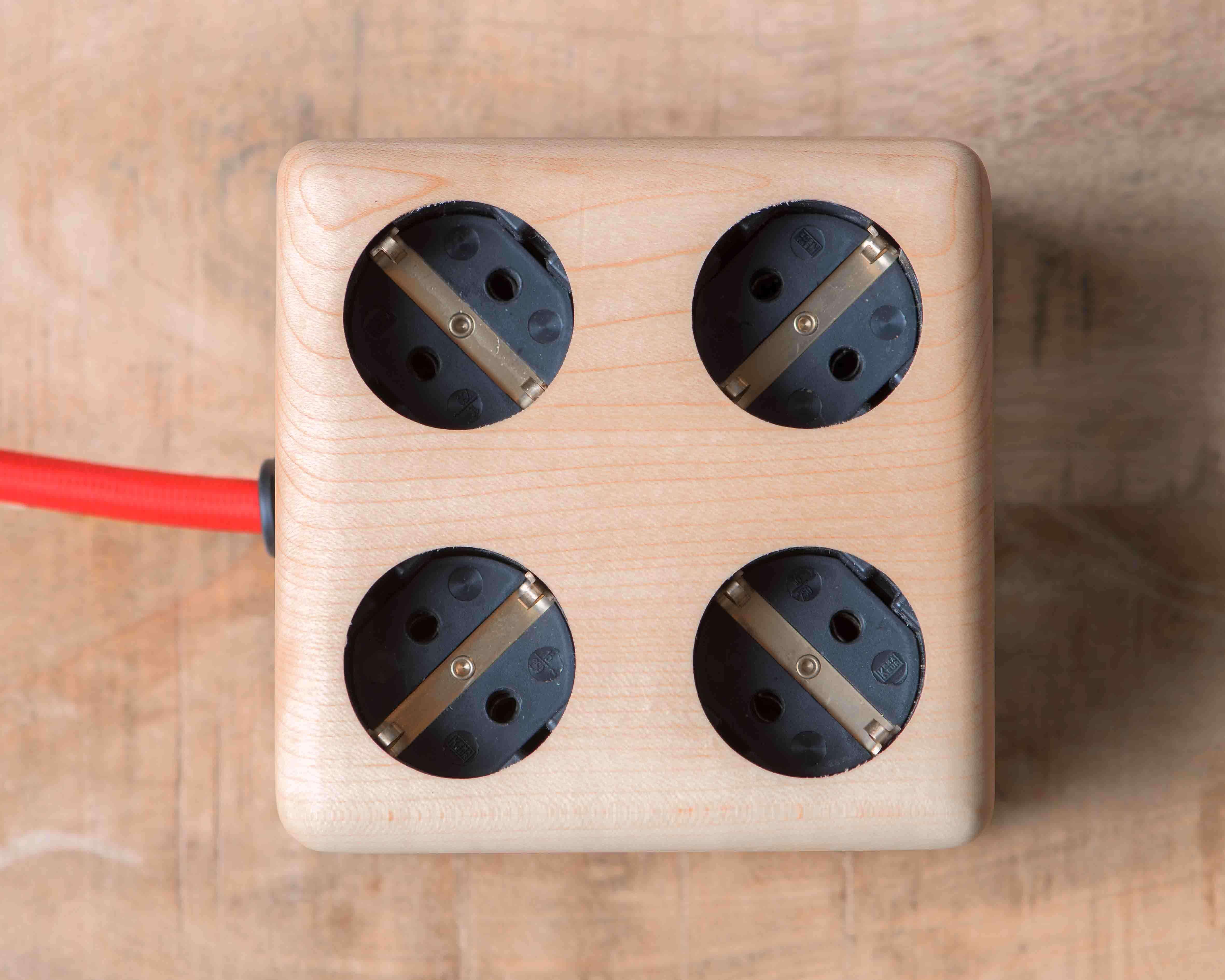 Timbies Stekkerdoos Esdoorn Walnoot hout 8