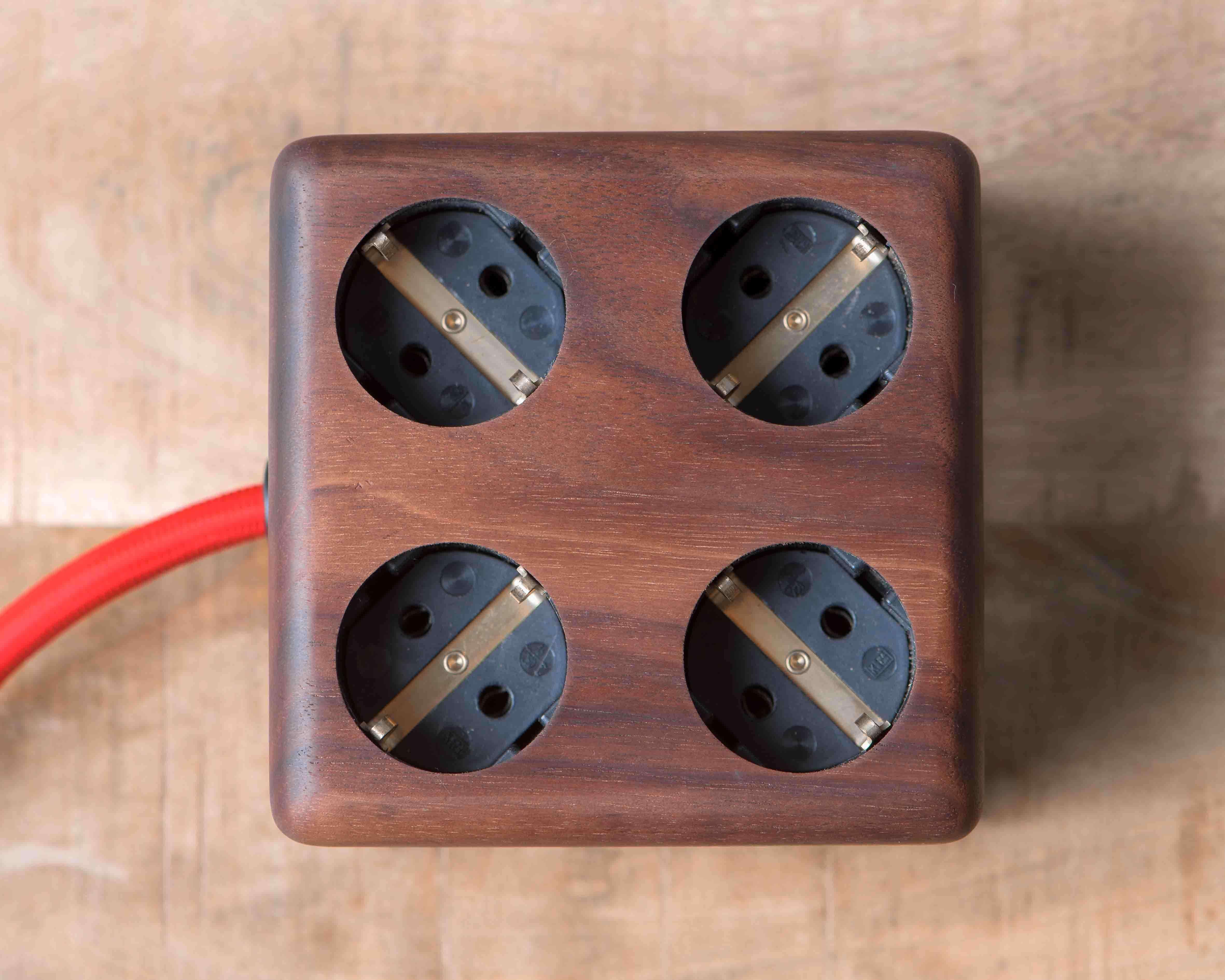 Timbies Stekkerdoos Esdoorn Walnoot hout 9